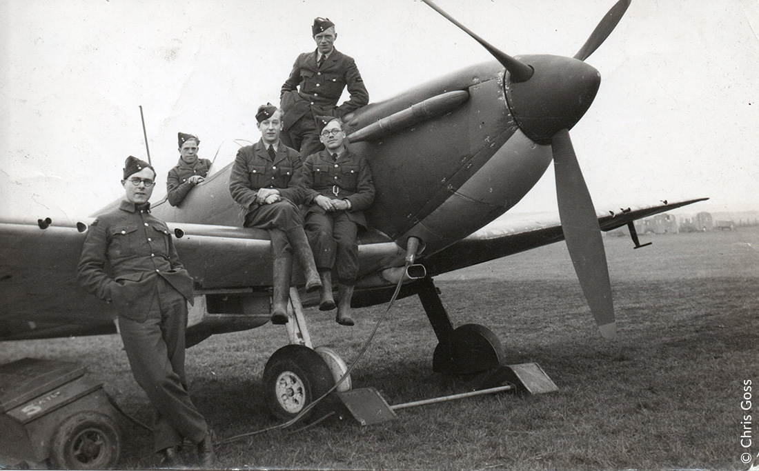 Groundcrew of 609 Sqn