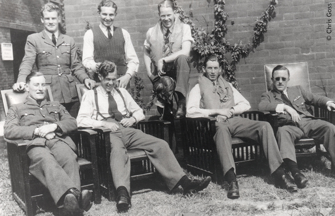 Pilots of 54 Sqn relaxing between scrambles, Summer 1940